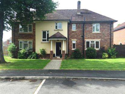 5 Bedrooms Detached House for sale in Little Roodee, Hawarden, Deeside, Flintshire, CH5