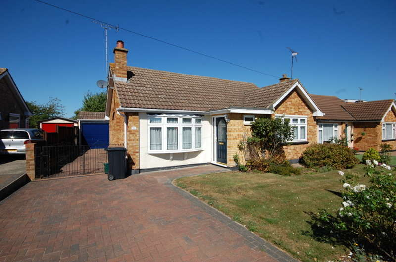 2 Bedrooms Detached Bungalow for sale in Burnham Road, Old Springfield, Chelmsford, CM1