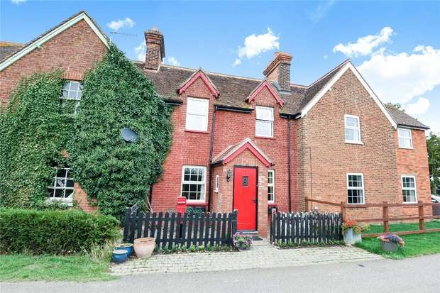 3 Bedrooms Terraced House for sale in Old Milton Road, Thurleigh, Bedford