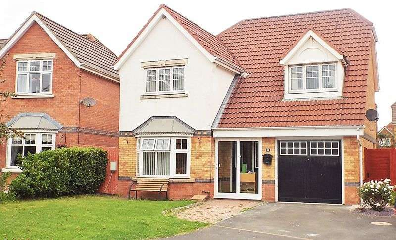 4 Bedrooms Flat for sale in Carlisle Close, Holystone, Newcastle Upon Tyne