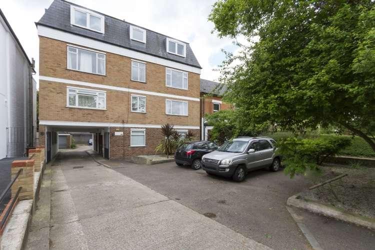 1 Bedroom Flat for sale in Burnt Ash Hill Lee SE12