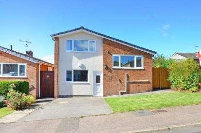 3 Bedrooms Detached House for sale in Derwent Road, Dronfield, Derbyshire