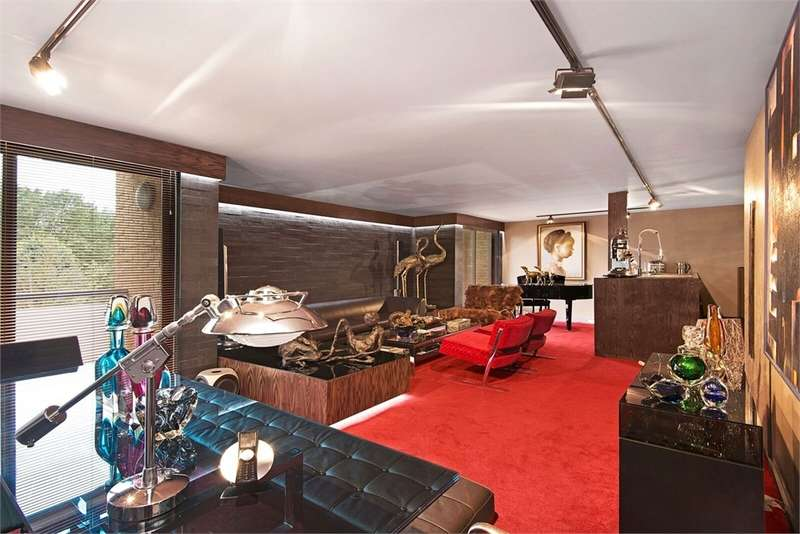 3 Bedrooms Flat for sale in 7 Savoy Mews, London