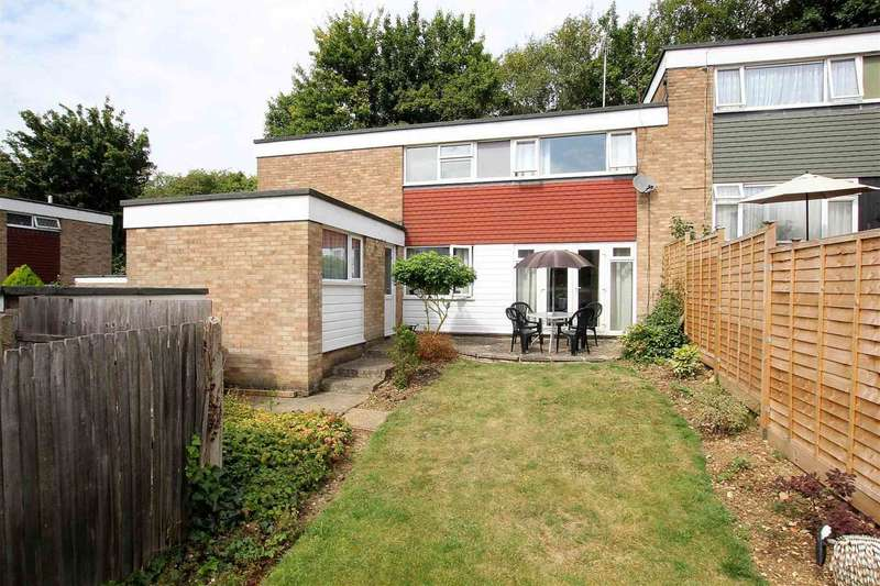 3 Bedrooms Semi Detached House for sale in SPACIOUS 3 BEDROOM SEMI IN Wharfedale, Hemel Hempstead