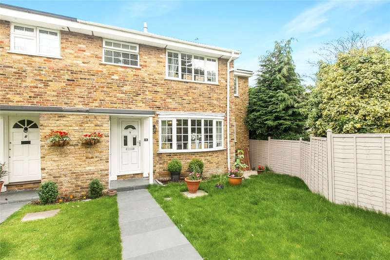 4 Bedrooms Semi Detached House for sale in Parkway, Weybridge, Surrey, KT13