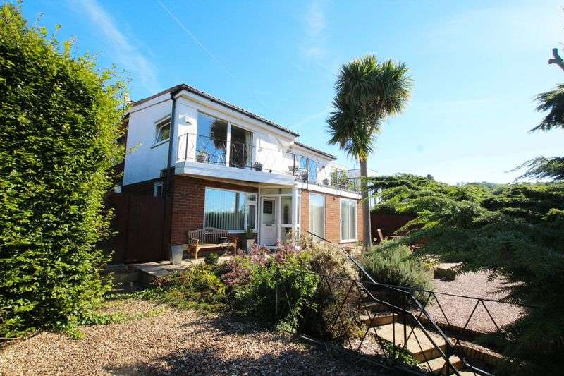 4 Bedrooms Detached House for sale in Pipers Lane, Lower Heswall