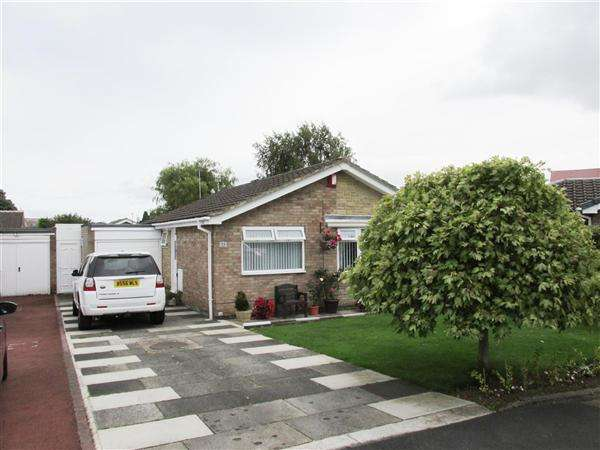 2 Bedrooms Bungalow for sale in Castleway, Newcastle upon Tyne
