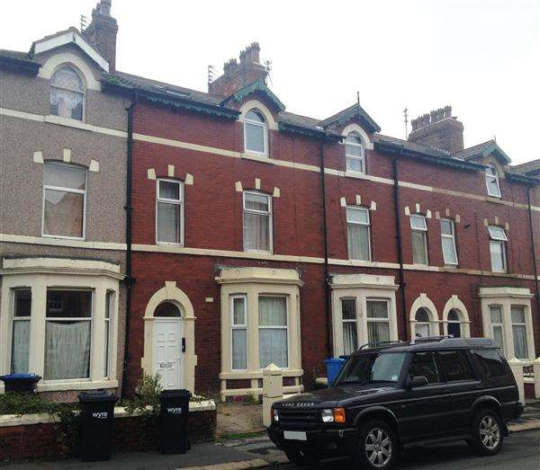 5 Bedrooms Flat for sale in Milton Street, Fleetwood
