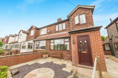 3 Bedrooms Semi Detached House for sale in Stockport Road, Mossley, Ashton-Under-Lyne, Greater Manchester