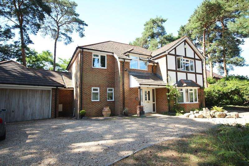 4 Bedrooms Detached House for sale in Pine Drive, St Ives, Ringwood