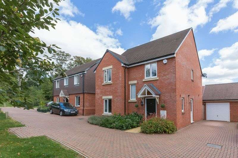 4 Bedrooms Detached House for sale in Amersham