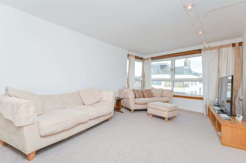 2 Bedrooms Flat for sale in 4/7 Coatfield Lane, Leith, Edinburgh, EH6 6BE