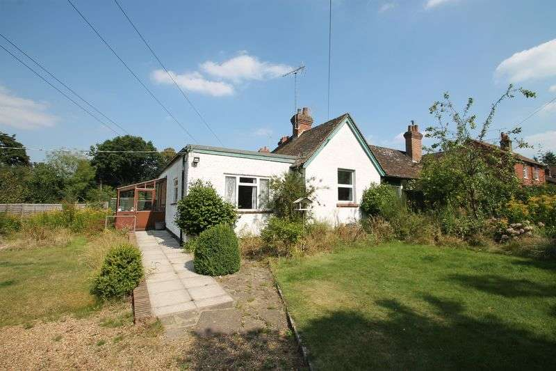 2 Bedrooms Semi Detached Bungalow for sale in Hoe Lane, Peaslake
