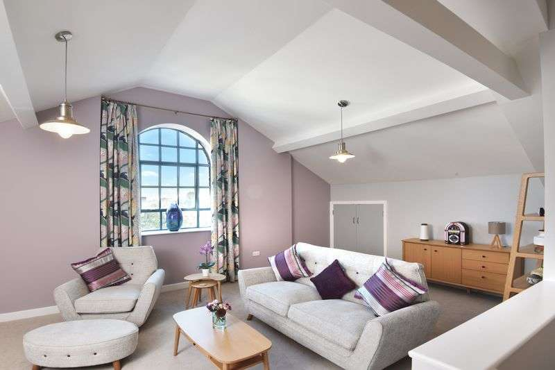 2 Bedrooms Flat for sale in St. Stephens Square, Norwich