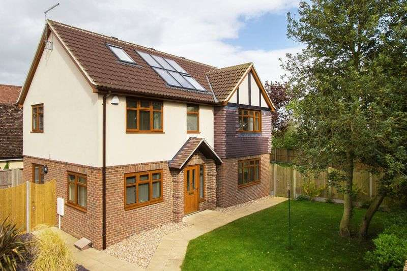 4 Bedrooms Detached House for sale in Johns Green, Sandwich