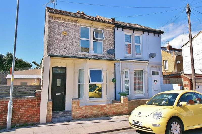 3 Bedrooms Semi Detached House for sale in Farlington Road, Portsmouth