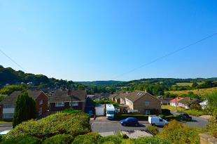 3 Bedrooms Semi Detached House for sale in Templeside, Temple Ewell, Dover, Kent