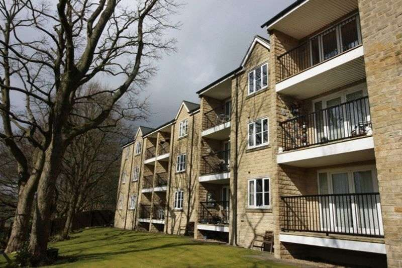 2 Bedrooms Flat for sale in Ravenscliffe Close, Halifax