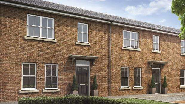 3 Bedrooms Terraced House for sale in Hastings Court, Grays Park Road, Stoke Poges
