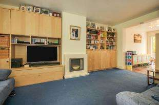3 Bedrooms Semi Detached House for sale in Godstone Road, Kenley