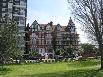 1 Bedroom Flat for sale in Clarence Parade, Southsea, Hampshire