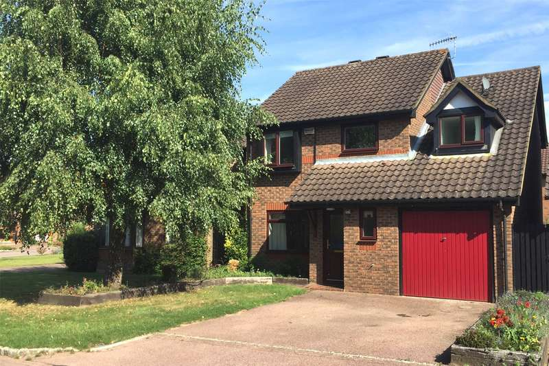 4 Bedrooms Detached House for sale in Hazelhurst, Horley, RH6