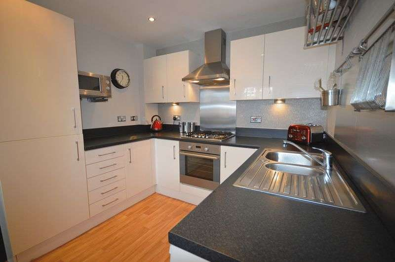 5 Bedrooms Terraced House for sale in Iona Crescent, Widnes