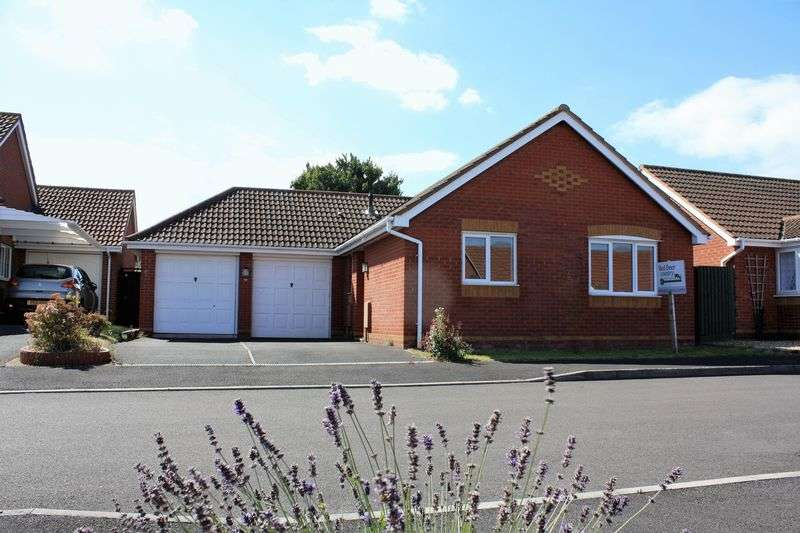 2 Bedrooms Bungalow for sale in Admirals Close, Watchet