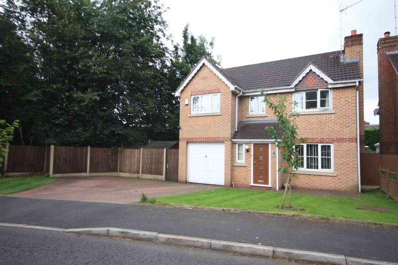 4 Bedrooms Detached House for sale in Holyrood Close, Prestwich