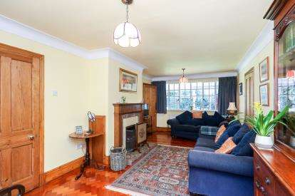 5 Bedrooms Detached House for sale in Rhos Avenue, Penyffordd, Chester, Flintshire, CH4