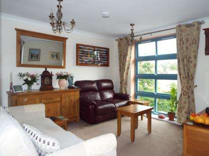 2 Bedrooms Flat for sale in Plymstock, Plymouth, Devon