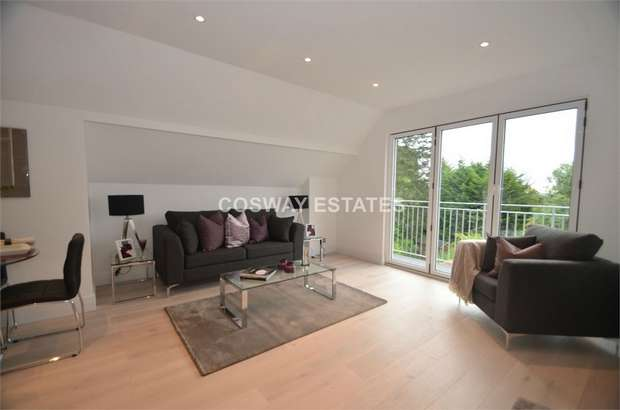 2 Bedrooms Flat for sale in St Hildas Mount,, 82 Marsh Lane, Mill Hill