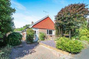 3 Bedrooms Bungalow for sale in De Braose Way, Bramber, Steyning, West Sussex
