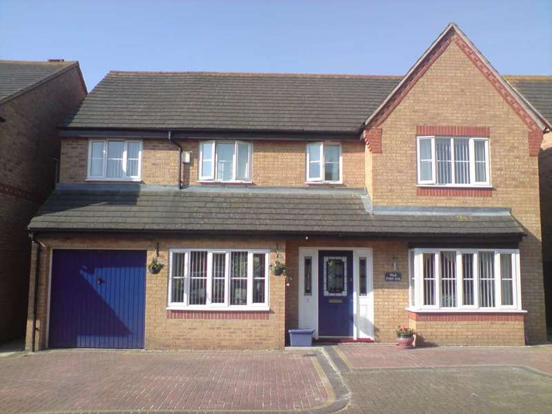 5 Bedrooms Detached House for sale in Tay Gardens, Bicester