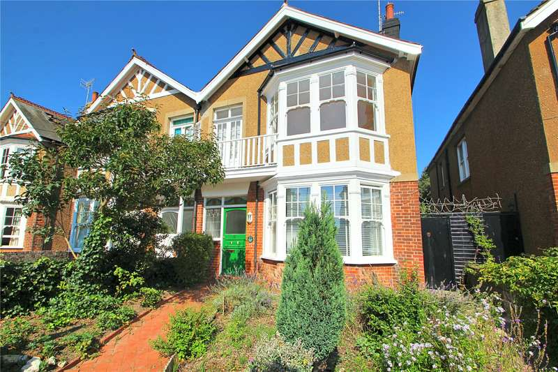 2 Bedrooms Apartment Flat for sale in Church Walk, Worthing, West Sussex, BN11
