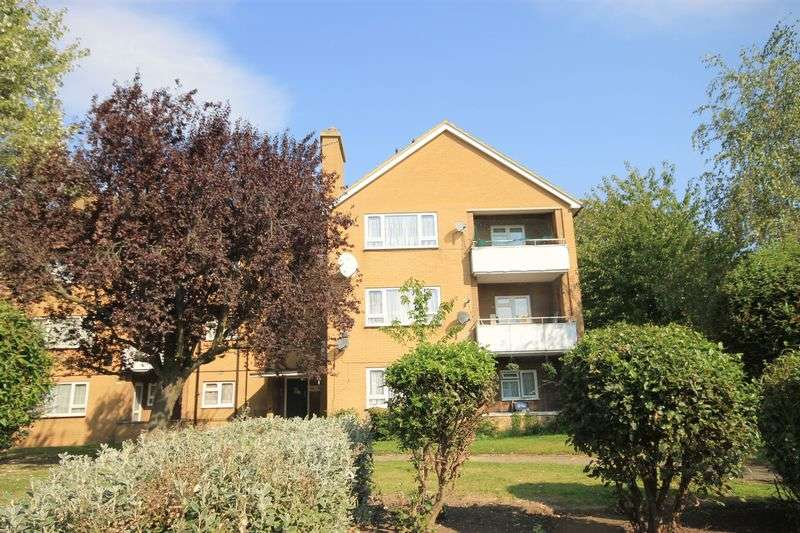 2 Bedrooms Flat for sale in Ringway, Southall