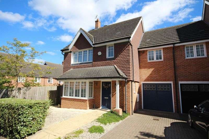 3 Bedrooms Semi Detached House for sale in Jacob Mews, Stanmore