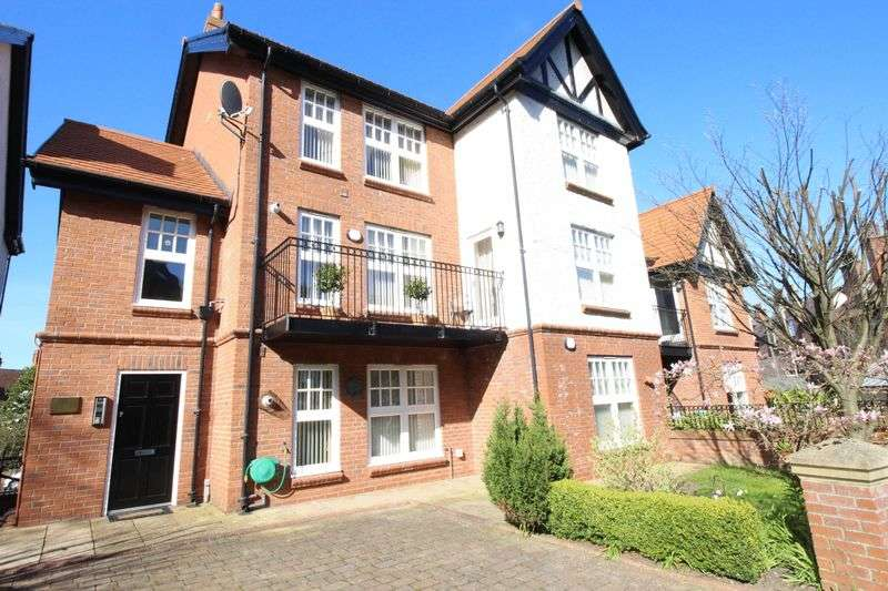 1 Bedroom Flat for sale in Belvedere Road, Scarborough