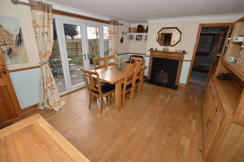 4 Bedrooms Detached House for sale in Holly Tree Cottage, Main Road, Frithville