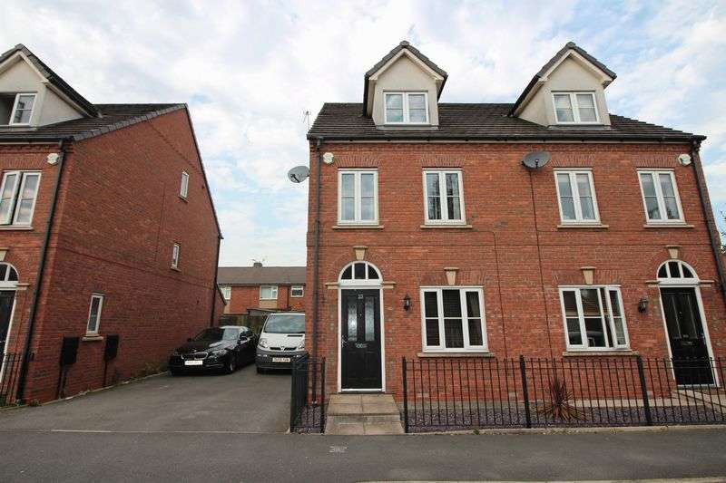 4 Bedrooms Semi Detached House for sale in Ashworth Street, Bury, BL8