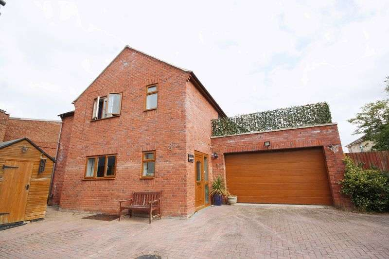 5 Bedrooms Detached House for sale in Coltham Fields, Off Hales Road, Cheltenham