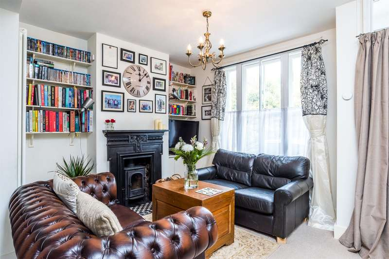 2 Bedrooms Semi Detached House for sale in St Johns, Redhill, RH1