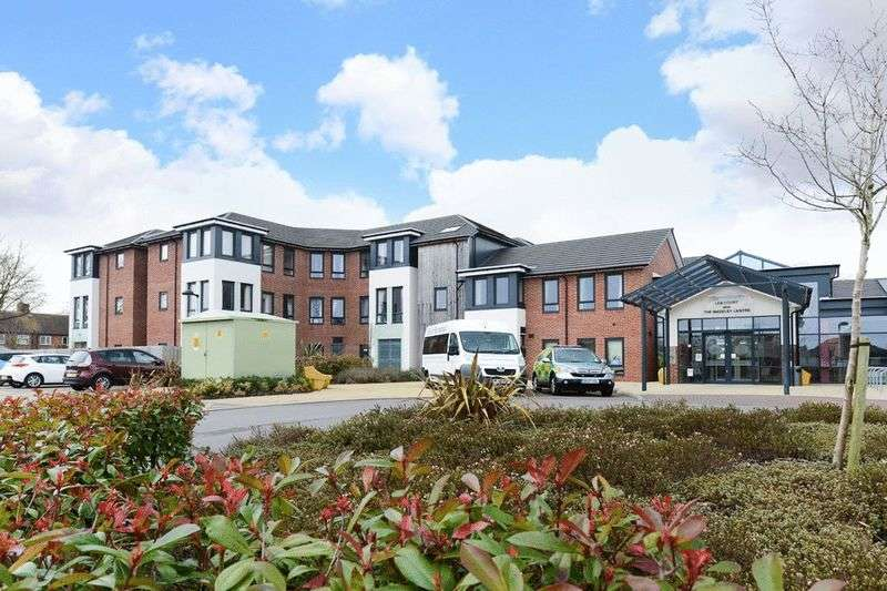 2 Bedrooms Flat for sale in Lea Court, New Road, Madeley, Crewe