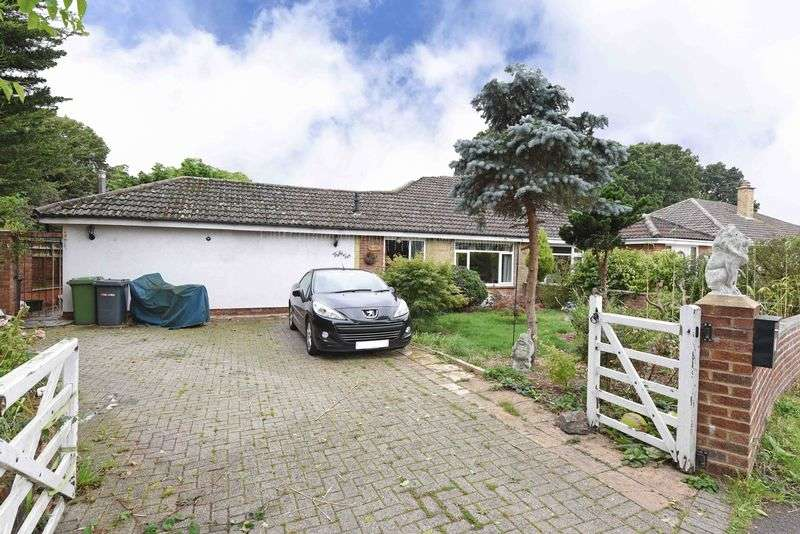 3 Bedrooms Semi Detached Bungalow for sale in Swains Road, Tadley