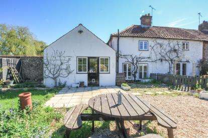 3 Bedrooms Semi Detached House for sale in Mileham, King's Lynn