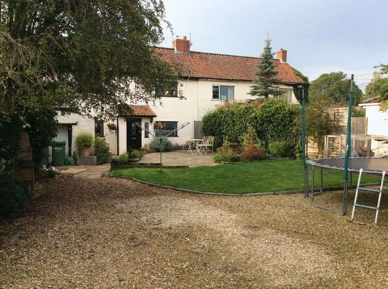 3 Bedrooms Semi Detached House for sale in Strode Common, Alveston