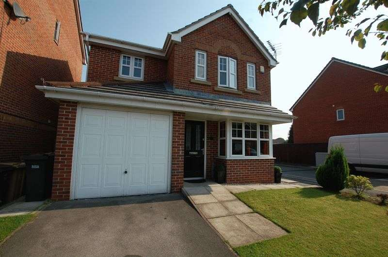 4 Bedrooms Detached House for sale in Fearney Side, Bolton