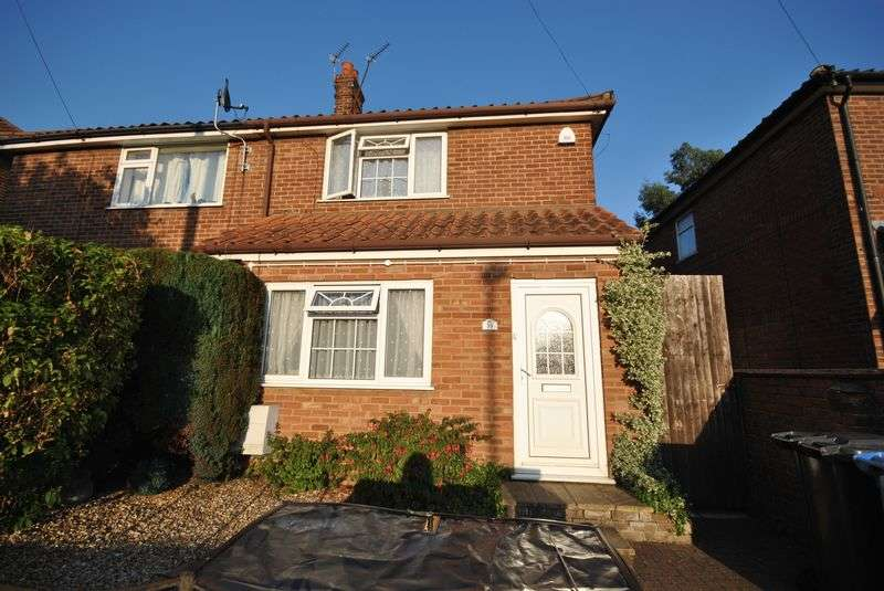 3 Bedrooms Semi Detached House for sale in Crome Road, Norwich