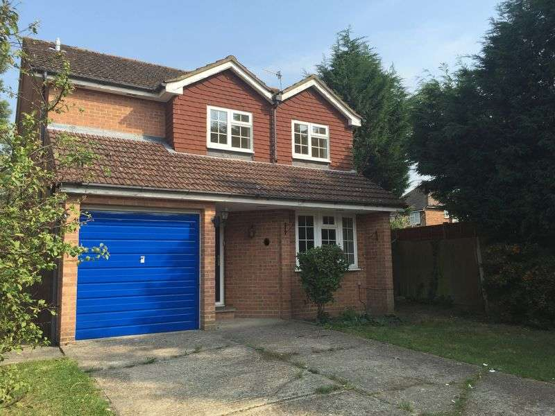 4 Bedrooms Detached House for sale in Mayfield Close, REDHILL, Surrey