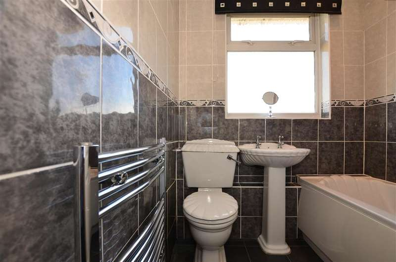 3 Bedrooms Terraced House for sale in Mayfair Road, Dartford, Kent